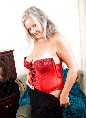 Nude Granny Boobs Pictures