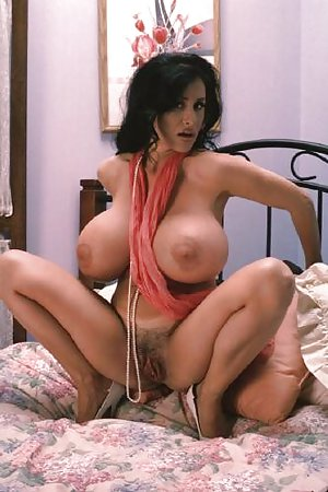 Nude Milf Boobs Pictures