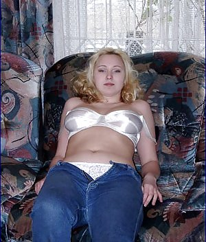 Nude Boobs in Jeans Pictures