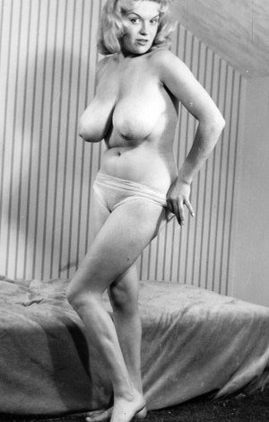 Nude Vintage Boobs Pictures