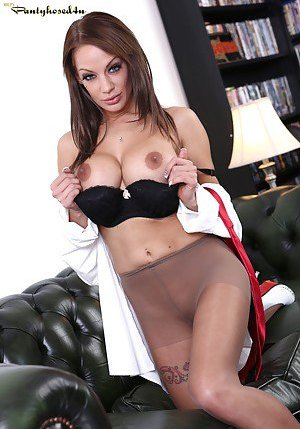Nude Boobs in Pantyhose Pictures